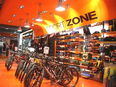afd1a00de ... nova geração de lojas Sport Zone em Portugal. Desde então aconteceram  um conjunto de obras emblemáticas