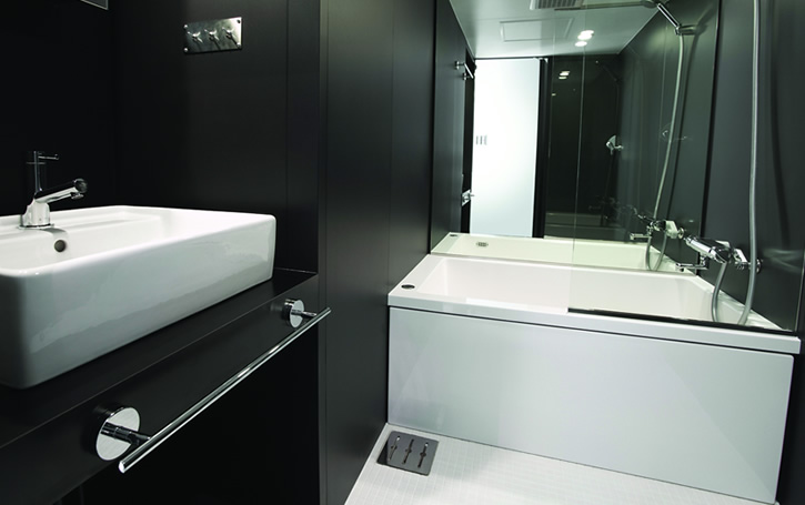 Architecture: Small Apartment With Compact Bathroom