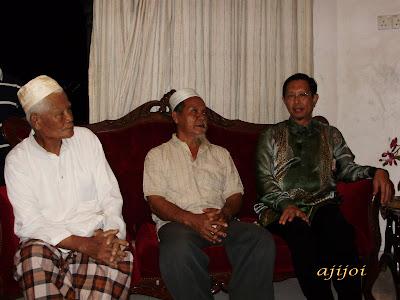 Berbual bersama keluarga terdekat Allahyarham