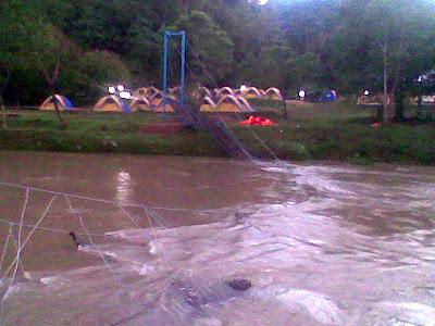Tragedi jambatan gantung runtuh di Kuala Dipang, 22 dikhuatiri hilang