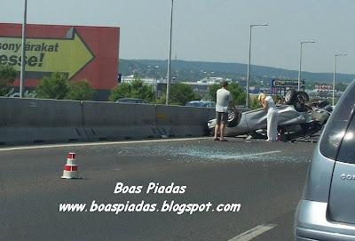 Loira em acidente de carro: será que ela está machucada ou chorando?