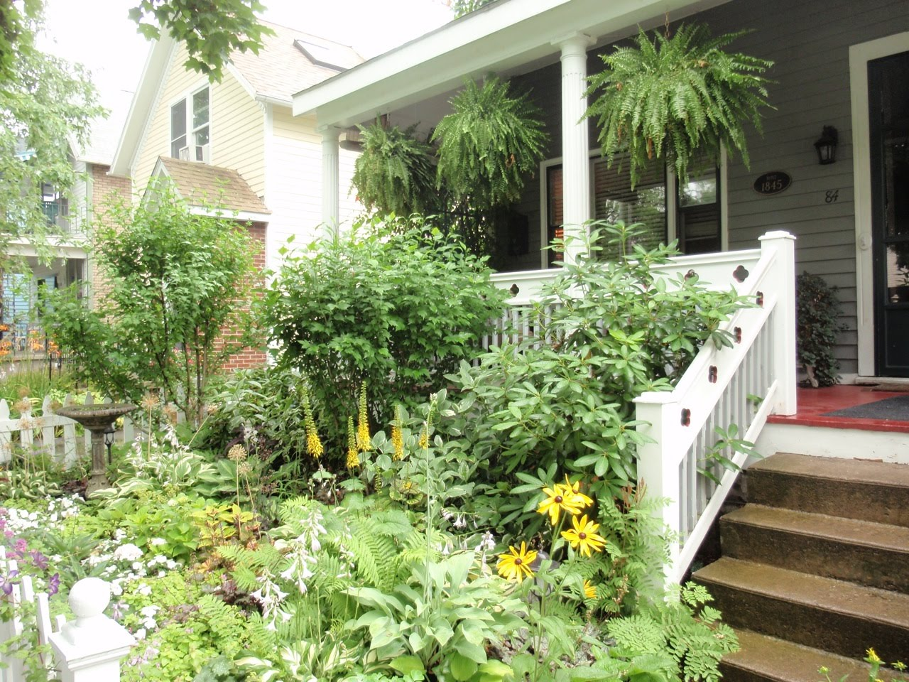 Cottage Gardens: Sharing Nature's Garden: Cottage Gardens Enchant And