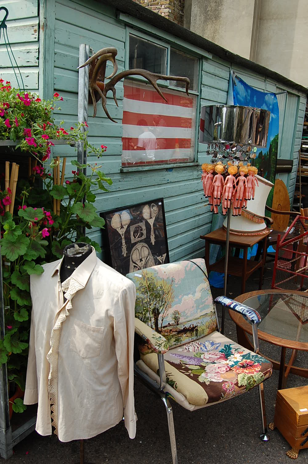 retro quirky stalls at columbia roaf