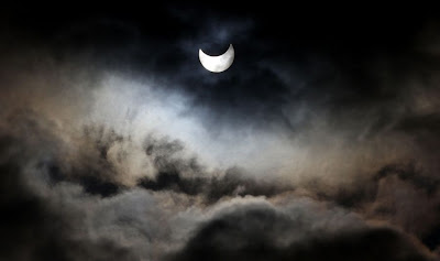 Partial solar eclipse as seen from Gaza city 2011.Jan.4