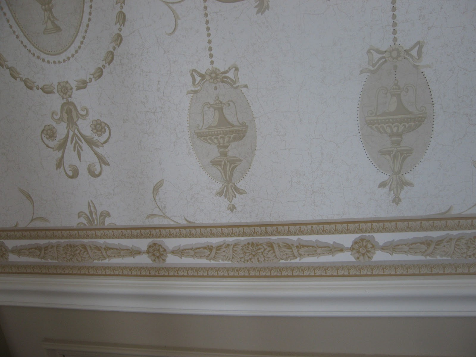pic new posts: Wallpaper Above Chair Rail