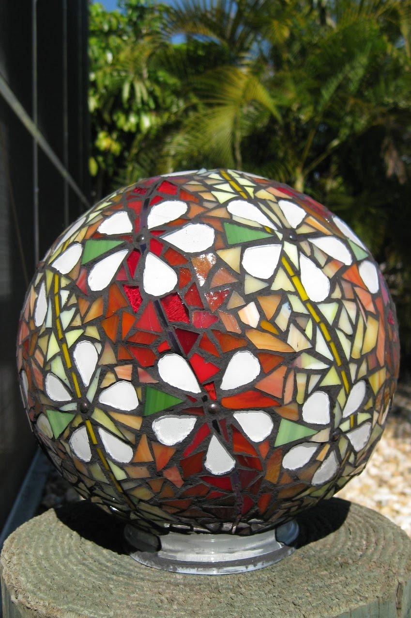 Mosaicsmith how to make concrete mosaic garden art ball for Garden art to make