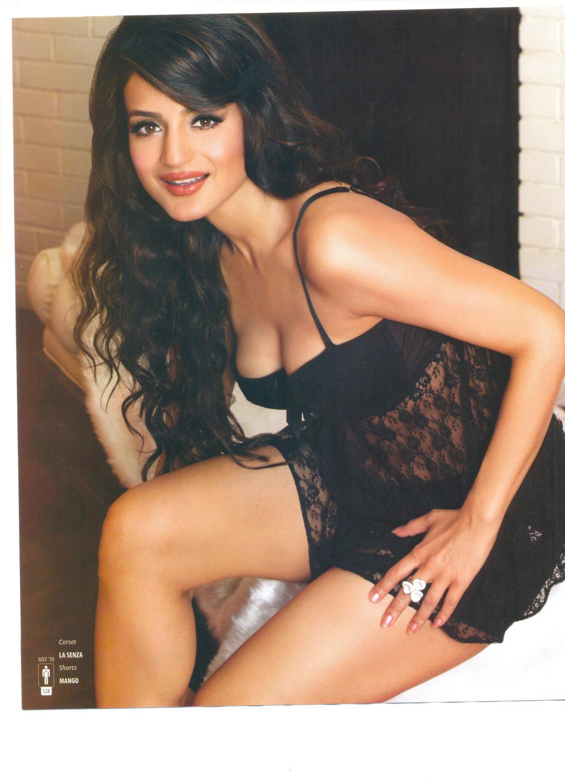 Ameesha Patel Hot Videos bollywood actress gallery: amisha patel hot photoshoot