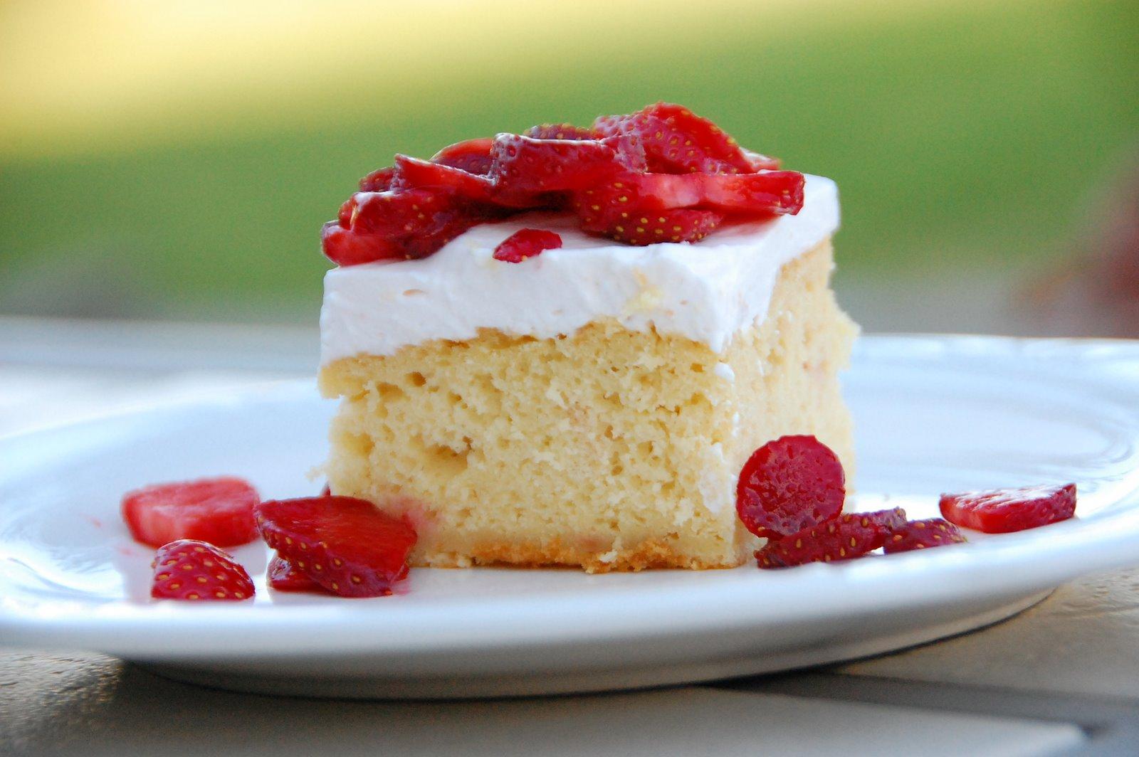 Melt Mix Strawberry Yoghurt Cake