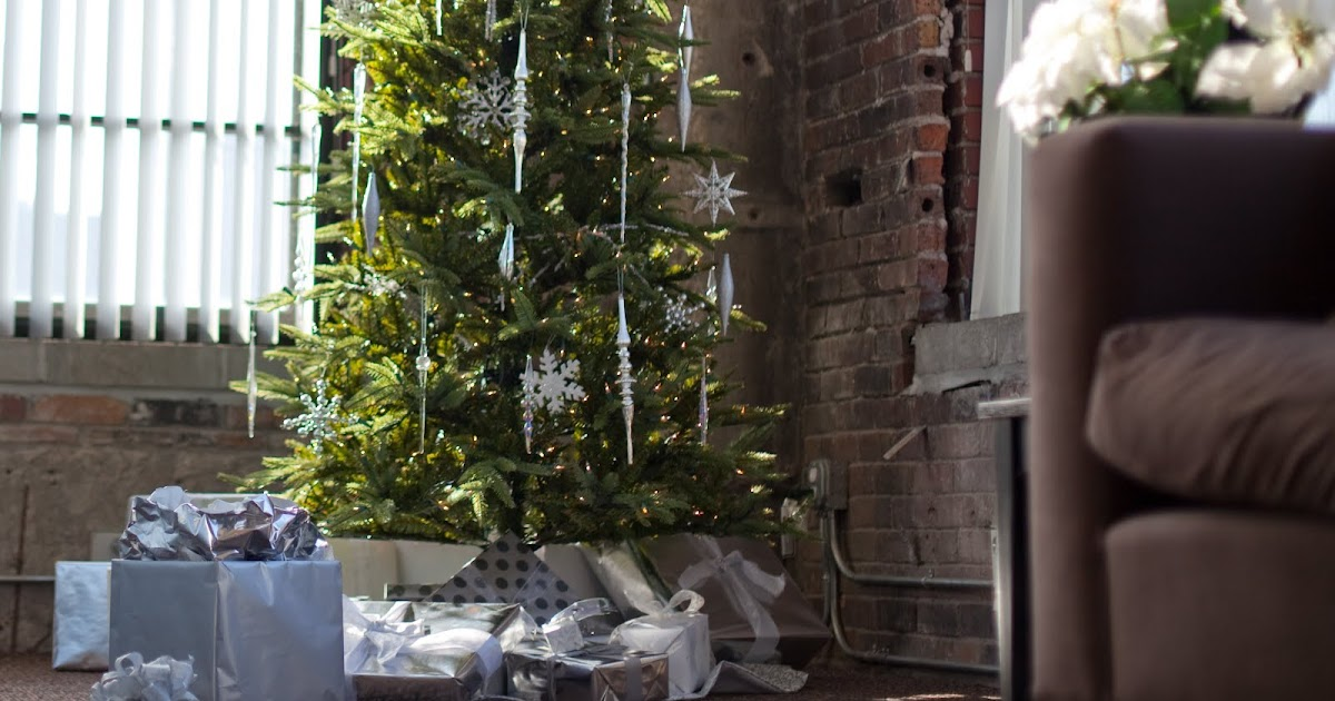 Christmas Ideas: Artificial Christmas Trees, Small