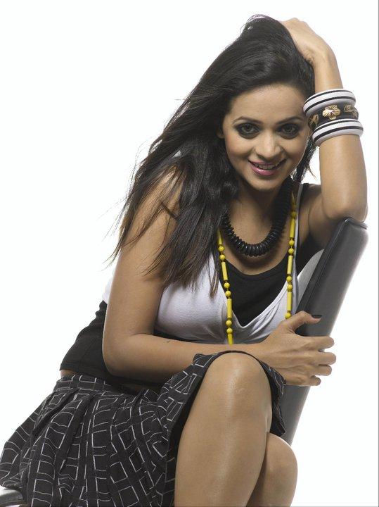 Tollywoodhotstills Bhavana Huge Boobs Sexy Armpit Images-3091