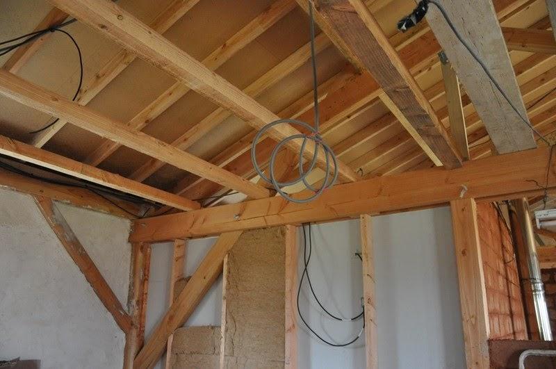 la casa en paille l 39 isolation de la toiture. Black Bedroom Furniture Sets. Home Design Ideas