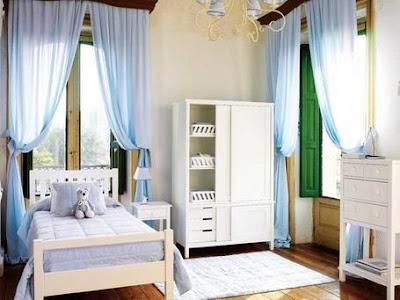 delicadas cortinas crean un ambiente romntico en esta habitacin que har las delicias de las nias muebles delicados para hacer ms infantil el espacio