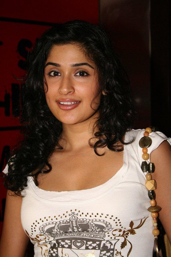 Actress Hot Photos Anjala Zaveri Hot-5546