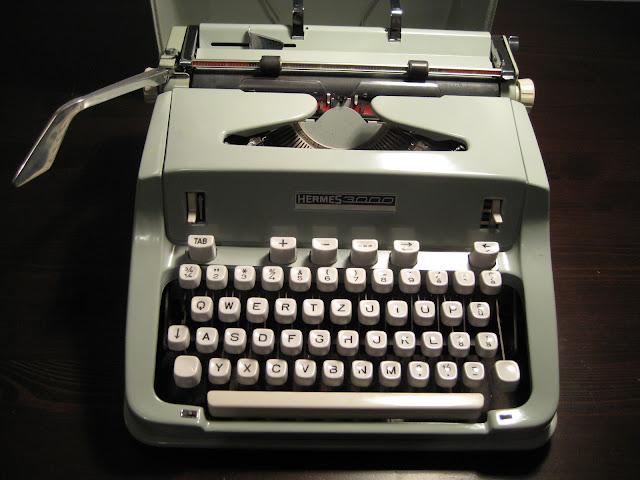Fix A Dent >> Retro Tech Geneva: Fixed! Late '60s Hermes 3000 (Epoca typeface)