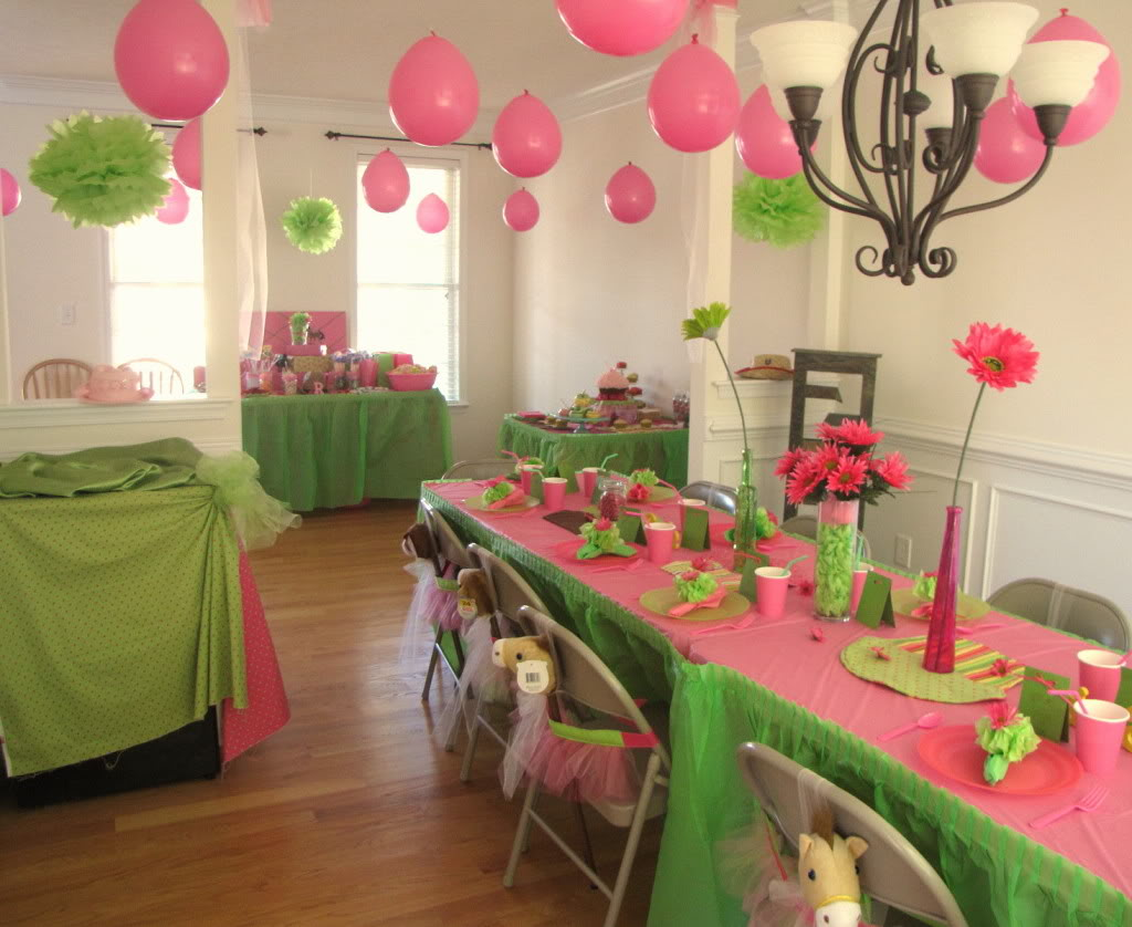 Pink And Green Centerpiece Ideas : Texas monkey