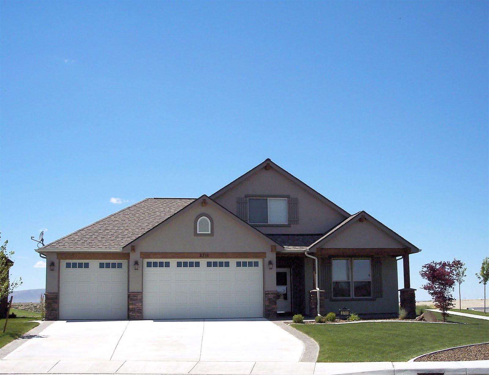 Building A Home Deciding On The Color Scheme For The Exterior