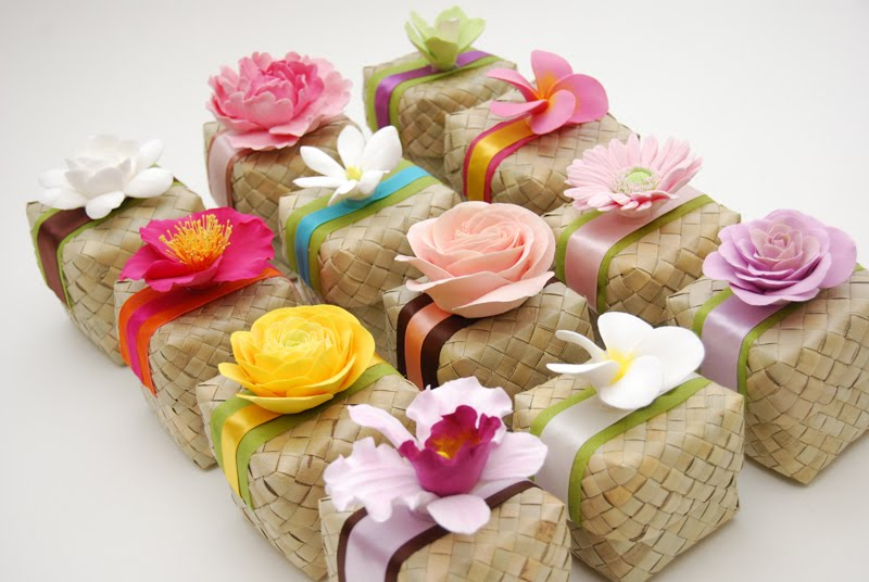 Hawaiian Wedding Gift Ideas: Eco-Friendly Market: Hawaiian Weddings, Lauhala Boxes