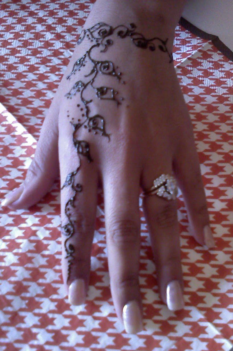 Henna Tattoo On Dark Skin