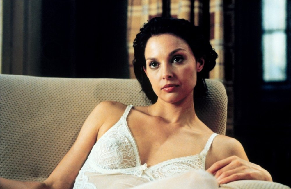 WTF happened to Ashley Judd's face? | Page 2 ...