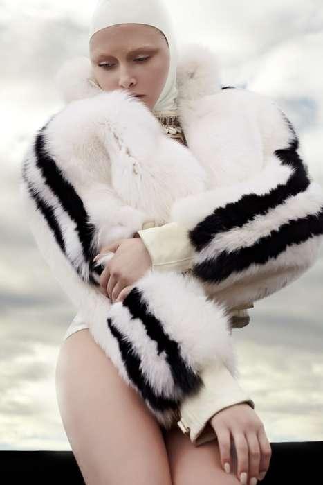 6d7e9fab253 Glamoursplash: Fancy Fur meets Vintage Swimwear
