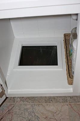 http://3.bp.blogspot.com/_9HtfDchJT5g/TGtHVbp0jLI/AAAAAAAACFw/zWad2RcD-kE/s400/laundrychute.jpg