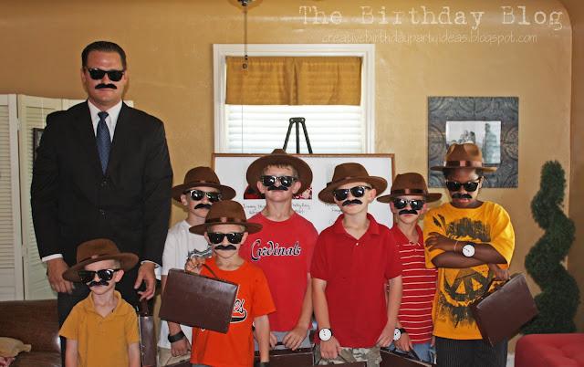 http://3.bp.blogspot.com/_9HtfDchJT5g/TJ6s_UrXVuI/AAAAAAAACxE/cgUFJYqYJxY/s1600/detective9.jpg