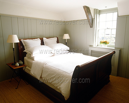 Sleigh Bed Master Bedroom Modern