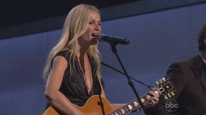 "Gwyneth Paltrow: ""Country Strong"" CMA Awards Performance ...