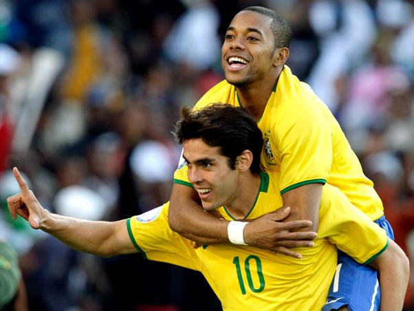 Vamos tentar trazer Kaká e Robinho, diz dirigente do Flamengo
