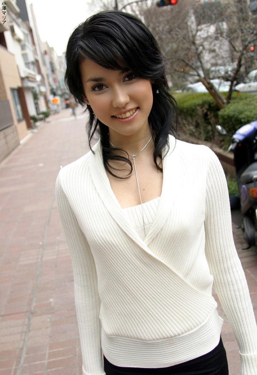 Asian karaoke beauty from web - 1 8