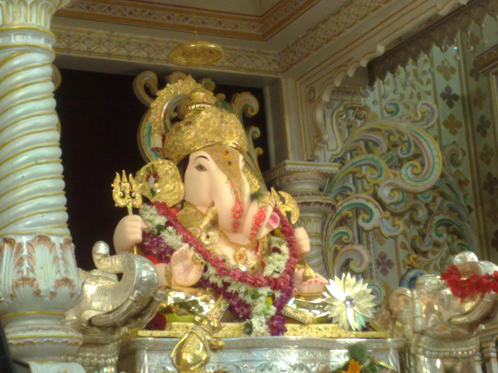 New-blog-pics: Dagdusheth Ganpati Wallpaper Free Download