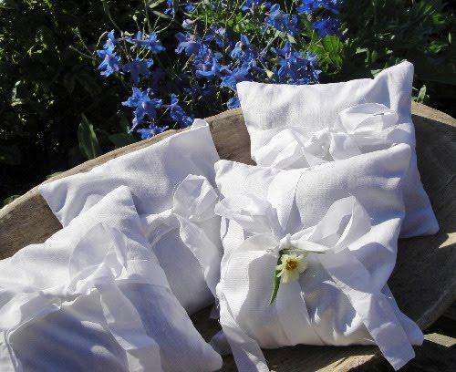 Crow's Nest Primitive Shoppe: Herbal PILLOWS