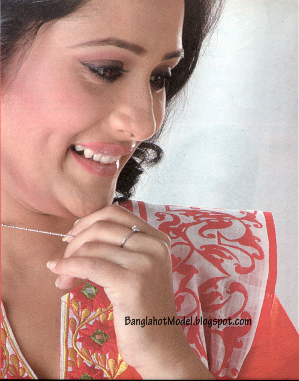 Opi Karim Bangladeshi Most Popular Actress New Picture -9049