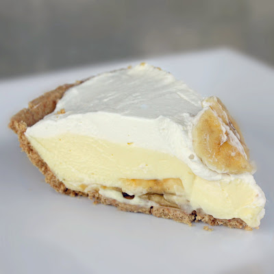 life needs sweets: Vanilla Pudding Pie in a Nilla Wafer Crust
