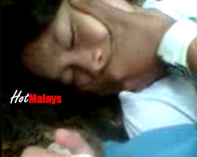 Mature mom lesbian kissing