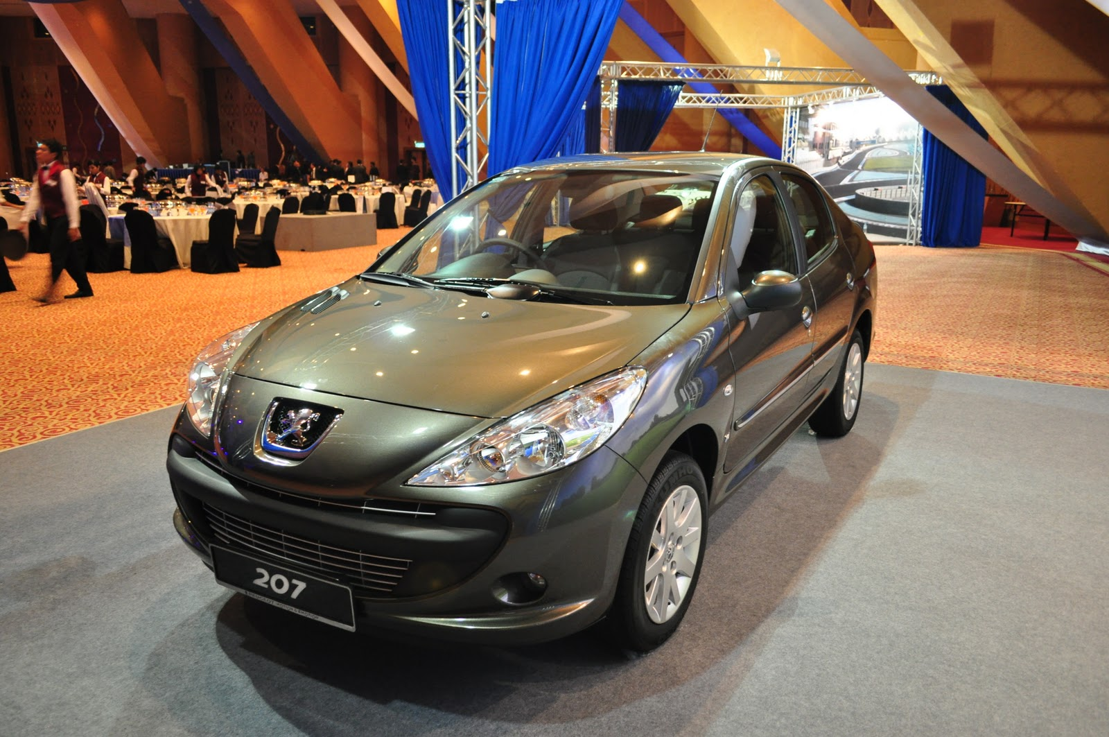 naza group peugeot 207