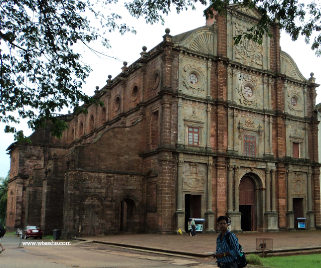 casilica church in goa