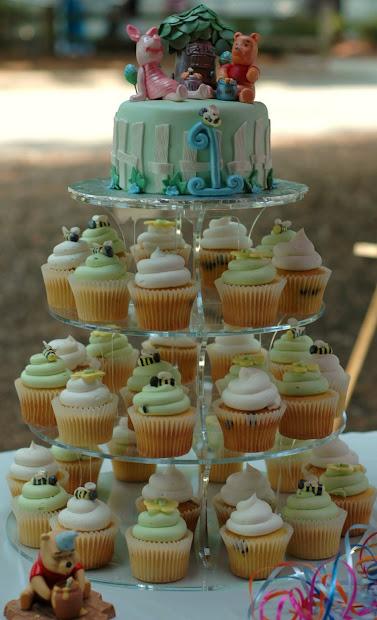 Tara' Cupcakes Winnie Pooh