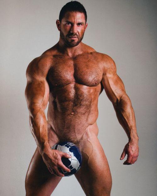 Muscular Men Gay 81