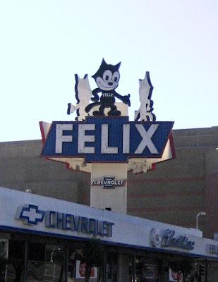http://3.bp.blogspot.com/_AbImehj4LiA/R2l21KDHuEI/AAAAAAAACe0/k6M6-K_fSK0/s400/Felix+Sign.jpg