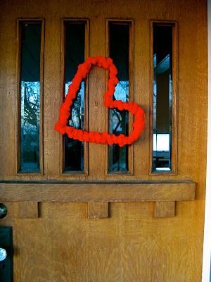 PomPom+Heart+Wreath Hodge Podge of Valentine's Day Ideas 14