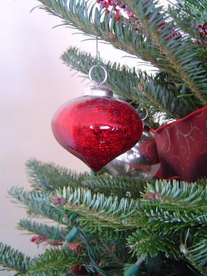 Ornament Christmas Home Tour 34