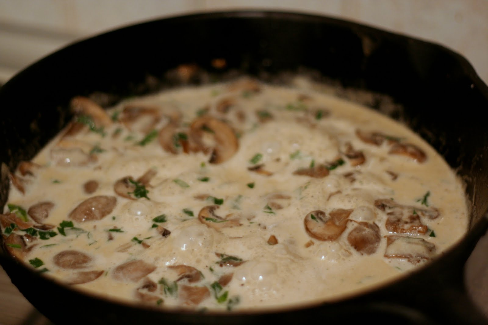 Pasta With Mushrooms White Wine And Cream The Tasty Buzz