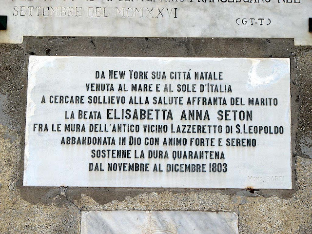 Plaque dedicated to Elizabeth Ann Seton outside the church of San Jacopo in Acquaviva, Livorno