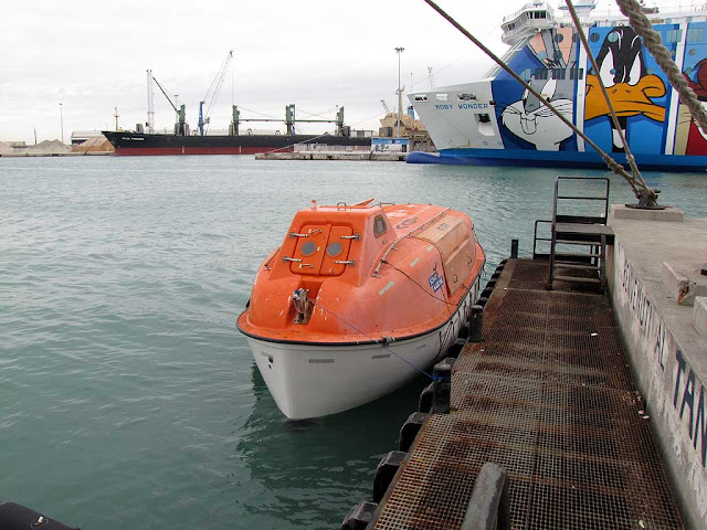 Moby Aki ferry lifeboats, Livorno