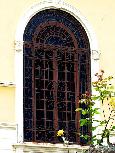 Window of a villa in viale Marconi, Livorno
