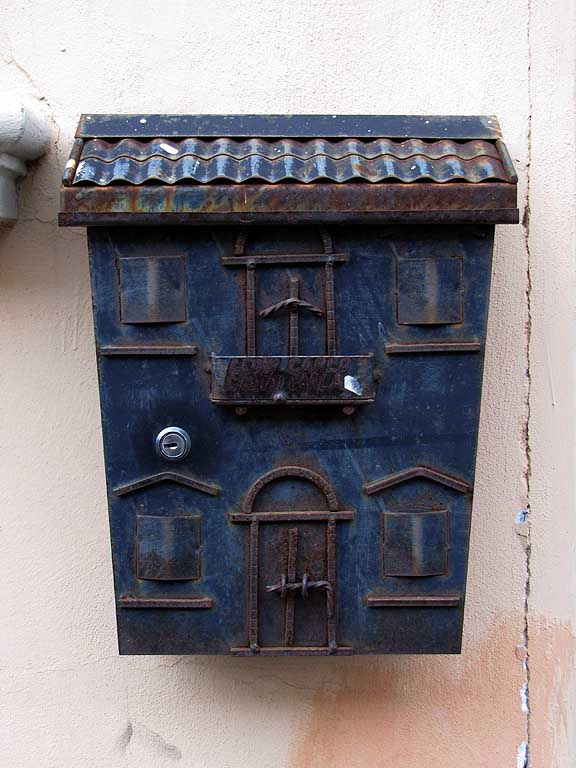 House shaped mailbox, Livorno