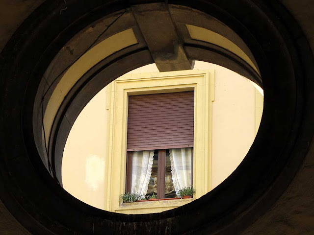 Window seen through a round opening, Livorno