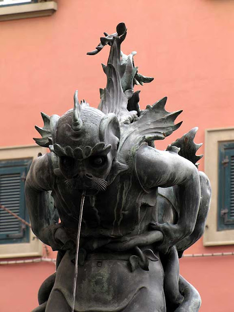 Sea monsters fountain by Pietro Tacca, copy, Livorno