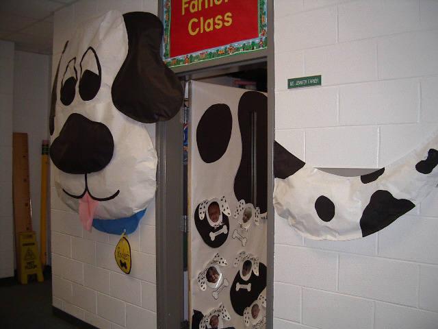 CLASSROOM DOOR DECORATION 3   learningenglish-esl